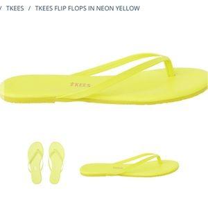 TKEES Neon Yellow Flip Flops Size 9